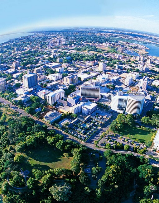 how to get from darwin airport to city